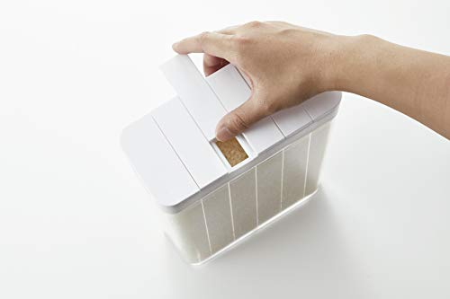 キャップをスライドさせれば、1合分のお米を注げます。2合炊きたい時は、キャップを2つ開ければOK。簡単に量を調節できるのが便利です。