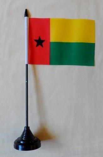 Guinea-Bissau-Flagge-Tisch