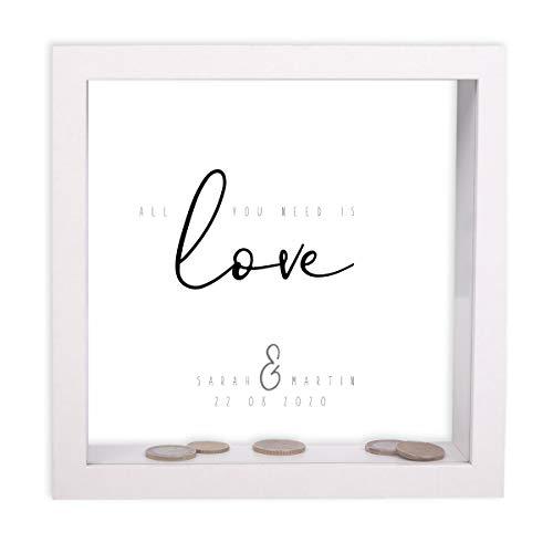 FORYOU24 Bilderrahmen-Spardose zur Hochzeit personalisiert Motiv 03 mit Druck der Namen des Brautpaares und des Hochzeitsdatums Hochzeitsgeschenk Geldgeschenk Weiss 20x20x5cm