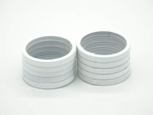 Płaski pierścień ze składanymi hakami i ślizgaczami 10 sztuk biały do karniszy o średnicy 20 mm