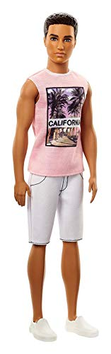 Barbie FJF75 Ken Fashionistas pop in roze shirt en witte shorts