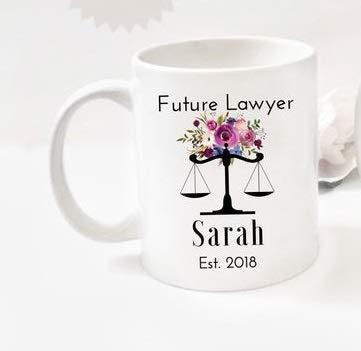 N\A Regalo de Abogado Futuro Nombre Personalizado Abogado para ser Abogado Graduación - Taza de café 11OZ