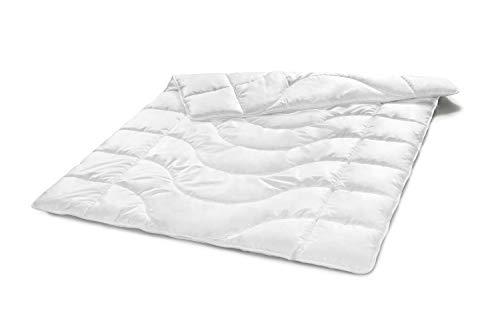 Traumnacht Komfort Steppbett Leicht Sommerdecke, mit einem Baumwollbezug für ein optimales Schlafklima in 135 x 200 cm, weiß
