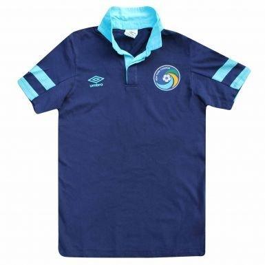 NY Cosmos (MLS) Crest Polo Shirt von Umbro, unisex