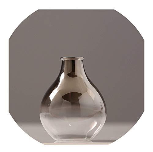 silberfarbene vasen
