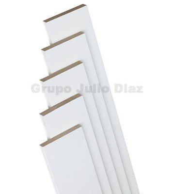 tapeta puerta blanca , moldura para puerta de 9 cm de ancho x 1 cm de grosor x 220 cm de largo , se vende por unidad de tira , añada al carrito tantas tiras como necesite , valido para todo tipo de puertas de paso