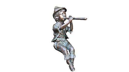 Steinfiguren Horn Flötenspieler Junge, Skulptur aus Bronze, Wasserspeier