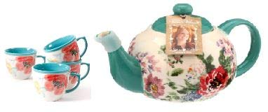 The Pioneer Women Flea Market 16 oz Decorated Coffee Cup Set of 4 comes with a Teapot