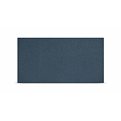 Tapizado en chenilla azul vaquero, fácil limpieza y resistente Fabricado con poliestireno expandido y recubierto de fibra. Cuenta con un acolchado de espuma de 20 kg de densidad. Su parte trasera está protegida por tejido NT. Incluye piezas de sujeci...