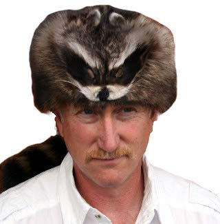 "Glacier Wear Raccoon Fur Davy Crockett Hat (Large (22 5/8"" – 23 ¼""))"