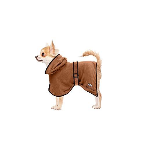 Bella & Balu Hundebademantel aus Mikrofaser + Pfotentuch – Saugfähiger Hunde Bademantel zum Trocknen nach dem Baden, Schwimmen oder Spaziergang im Regen (XS | Braun)