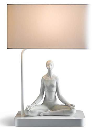 Casa Padrino Tischleuchte Grau/Weiß 38 x 20 x H. 54 cm - Designer Tischlampe mit dekorativer Yoga Porzellan Figur
