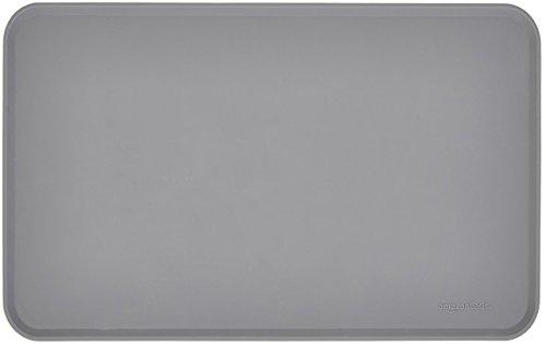 Amazon Basics - Wasserabweisende Napfunterlage aus Silikon, Unterlage für Haustierfutter, 47 x 29 cm, Grau