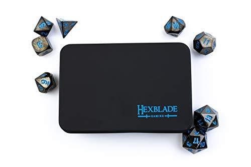 Hexblade Gaming Dado D&D in Metallo – Set Dadi D&D ad Alta Definizione 8 Pezzi | Rifinitura Nera in Nickel con Numeri Blu Elettrico | Dadi per Rpg
