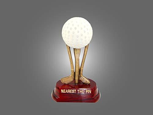 Henecka ⛳️ Golf-Pokal, Resin-Figur Golfball & Schläger -Nearest The Pin-, Golf Trophäe, weiß-altgold & Sockel DKL.rot, mit Wunschgravur