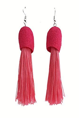Pendientes de seda y flecos en color fucsia.