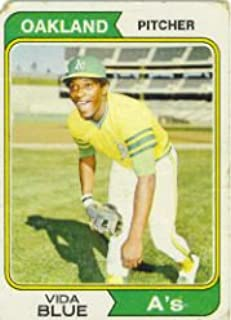 1974 Topps Baseball Card #290 Vida Blue