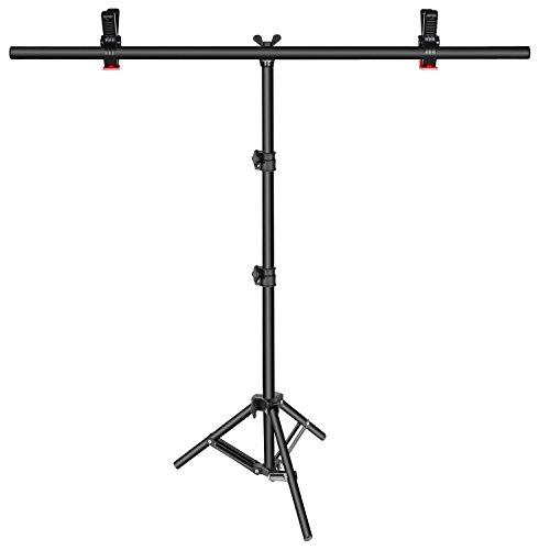 Neewer–Soporte para fondo fotográfico en forma de TTamaño: 81-203cm de alto por 90 cm de largo. Con doble pinza para colgar un fondo fotográfico.