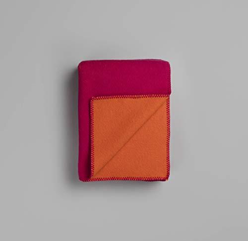 RØROS TWEED Color Noise Wolldecke | Kuscheldecke aus norwegischer Lammwolle | Design von Snohetta | Deckenmaße: 135x200cm (1653 pink/orange)