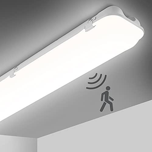 OEEGOO LED Deckenleuchte Mit Bewegungsmelder 120cm, 46W 5250LM LED Feuchtraumleuchte, IP65 Wasserfest Bürodeckenleuchte Werkstattlampe, LED Deckenlampe Röhre für Feuchtraum, Keller, Garage, Lager
