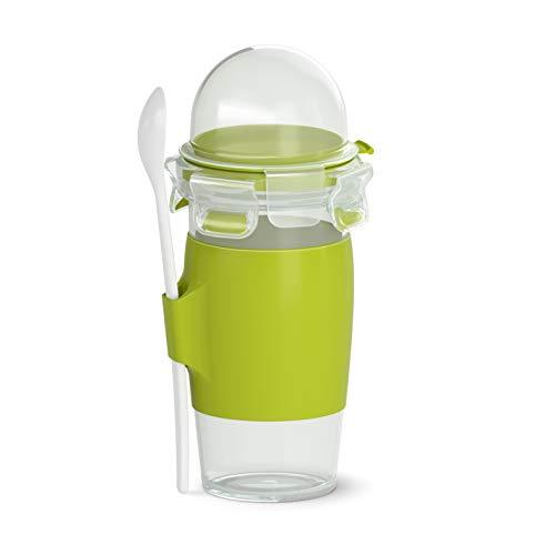 Emsa N1071400 Clip&Go Yoghurt Mug (Fassungsvermögen: 450 ml, Rund, inkl. Löffel und Topping-Fach) transparent/hellgrün