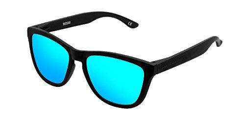 HAWKERS Gafas de Sol ONE Carbon Black, para Hombre y Mujer, con Montura Negra Mate y Lente Azul Claro Efecto Espejo, Protección UV400