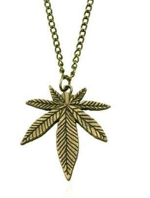 Silver Knight Colgante de bronce de aleación de bronce con diseño de marihuana, hoja de arce, Ganja Skunk