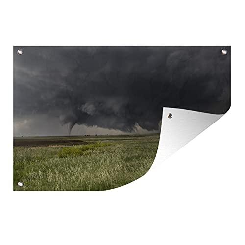 Gartenposter - Tornado im Feld mit Zaun - 60x40 cm