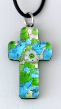 MaMeMi kruis van veneziaan.Muranoglas, ca. 3,5 x 2 cm met rubberen band