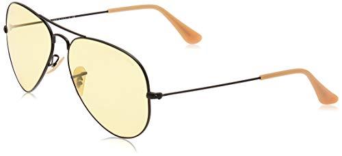 Ray-Ban Men's Rb3025 Aviator Classic Evolve Polarized Sunglasses, Black/Yellow Photochromic, 58 mm