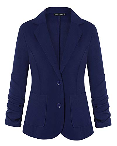 What Is Difference Between Blazer and Suit?