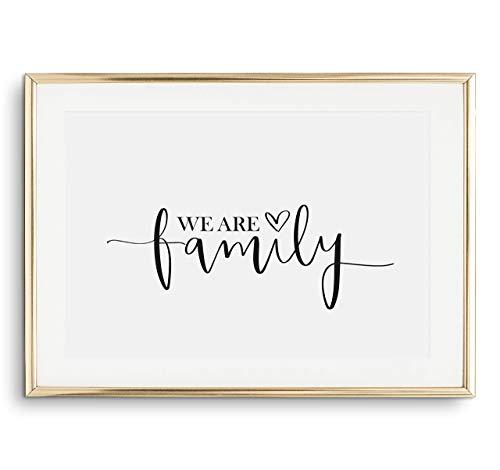 Tales by Jen Kunstdruck, Sprüche Poster: We are family   Stilvolles Premium Poster auf hochwertigem Papier   Moderne Wohnzimmer Deko, schwarz weißes Wohnaccessoires und Wand Bild   Ohne Bilderrahmen