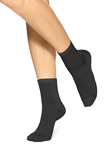 Hue Women's Ultra Fine Anklet Sock, Black, Medium