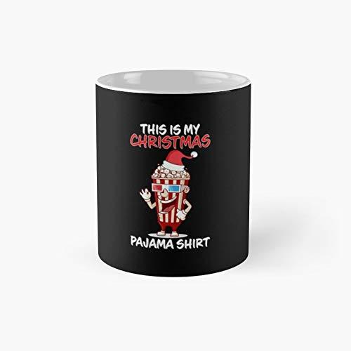 Taza clsica con diseo de palomitas de maz con texto en ingls 'This is My Christmas Pijama Popcorn Family'