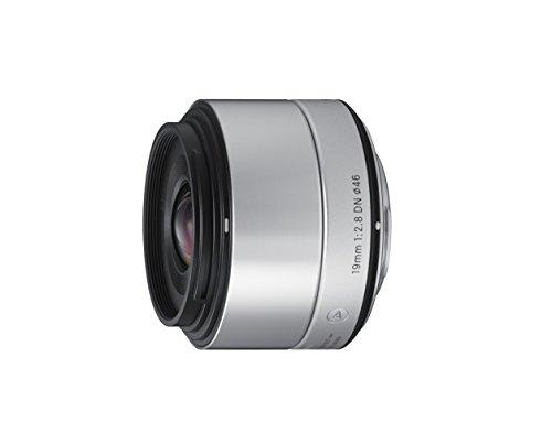Sigma 19mm F2,8 DN Art Objektiv (46mm Filtergewinde) für Micro Four Thirds Objektivbajonett silber