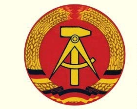 Ostprodukte-Versand.de Aufkleber DDR Emblem rund 7cm - DDR Geschenke - für Ostalgiker - Ossi Artikel