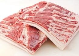 やんばるあぐー ≪白豚≫ バラ 煮豚用 ブロック 500g×1本 フレッシュミートがなは 脂身が甘くやわらかでしっとりとした赤身のおいしい沖縄県産豚肉