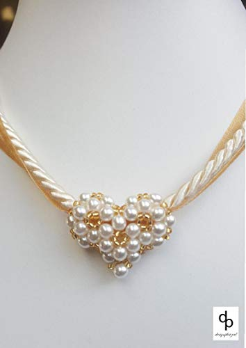 Perlenkette, Halskette mit Herz aus Perlen, Perlenherz auf Kordel in weiß/gold, Geburtstag, Valentinstag, Braut, Hochzeit, Tracht, Dirndl, Jahrestag, Geschenk für Sie