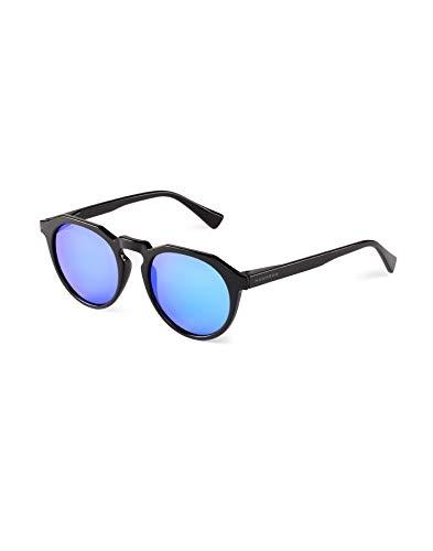HAWKERS WARKWICK Gafas de Sol Warwick Diamond Black, para Hombre y Mujer, un clásico renovado Que combina Montura Mate y Lentes espejadas, Protección UV400, Negro/Azul claro, One Size Unisex Adulto