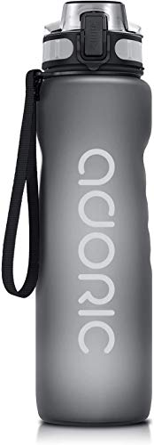 ADORIC Borraccia Sportiva, Bottiglia d'Acqua Sportiva da Palestra con Filtro - No BPA tossica con Cerniera Coperchio (Grigio)