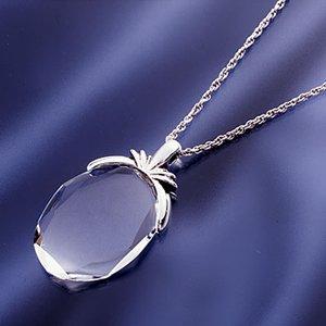 ジュエリーカットの薄型高級ガラスのペンダントがルーペにも『クリスタルルーペペンダントネックレス』