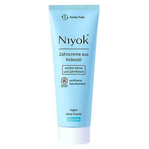 Niyok® Kokosöl Zahnpasta ohne Fluorid und Mikroplastik Plastik | Bio Naturkosmetik Sensitiv auch für Kinder | Xylit Herbal | natürliche Zahncreme VEGAN | Eisminze (75ml)