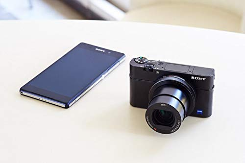 Sony RX100 III Creator Kit   Premium-Kompaktkamera mit Aufnahmegriff VCT-SGR1 (1.0-Typ-Sensor, 24-70 mm F1.8-2.8 Zeiss-Objektiv und neigbares Display für Vlogging)