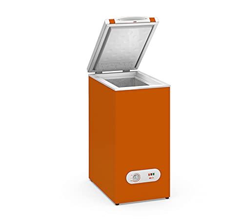 Congelador Horizontal pequeño TENSAI, color Naranja, 60 litros de capacidad y 38,4 cm de ancho con clasificación energética A+