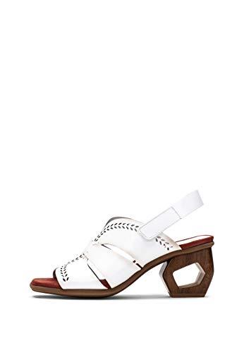 Hispanitas: Sandalia elaborada en vacheta troquelada con tacón arquitectónico. Cierre de Velcro al Tobillo. La opción Ideal para completar Tus Looks 24/7.