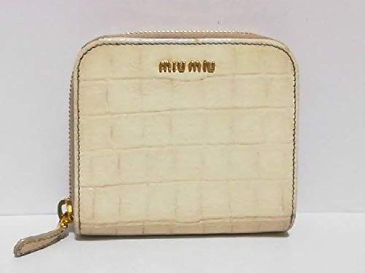 スペイン八百屋彼女(ミュウミュウ)MIUMIU 2つ折り財布 アイボリー 5M0522 【中古】
