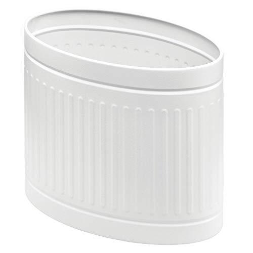 mDesign Papelera metálica para baño o aseo – Elegante cubo de basura ovalado – Contenedor de residuos de diseño en metal resistente con revestimiento anticorrosión – blanco