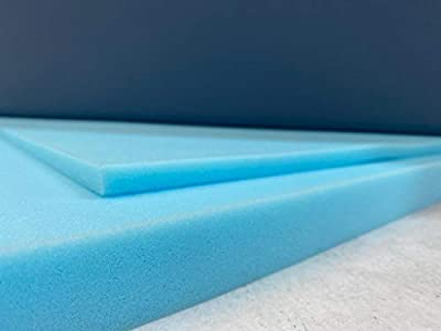 Las planchas de espuma media son de color azul.