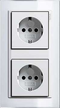 GIRA EVENT KLAR Weiß Komplett-Sets - Reinweiß GLÄNZEND System 55 (2x Steckdose, 1x Rahmen 2fach)