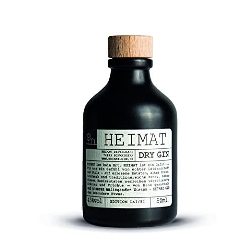 HEIMAT Dry Gin Miniatur (1x 0,05l) zum Probieren mit 18 Botanicals wie Salbei, Thymian, Apfel, Lavendel, Ingwer aus der Heimat - Handcrafted